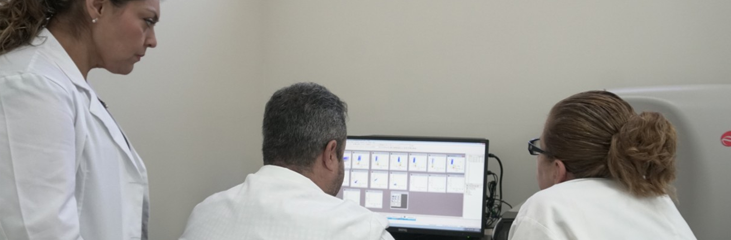 Citómetro de flujo: Equipo especializado para la detección de células leucémicas